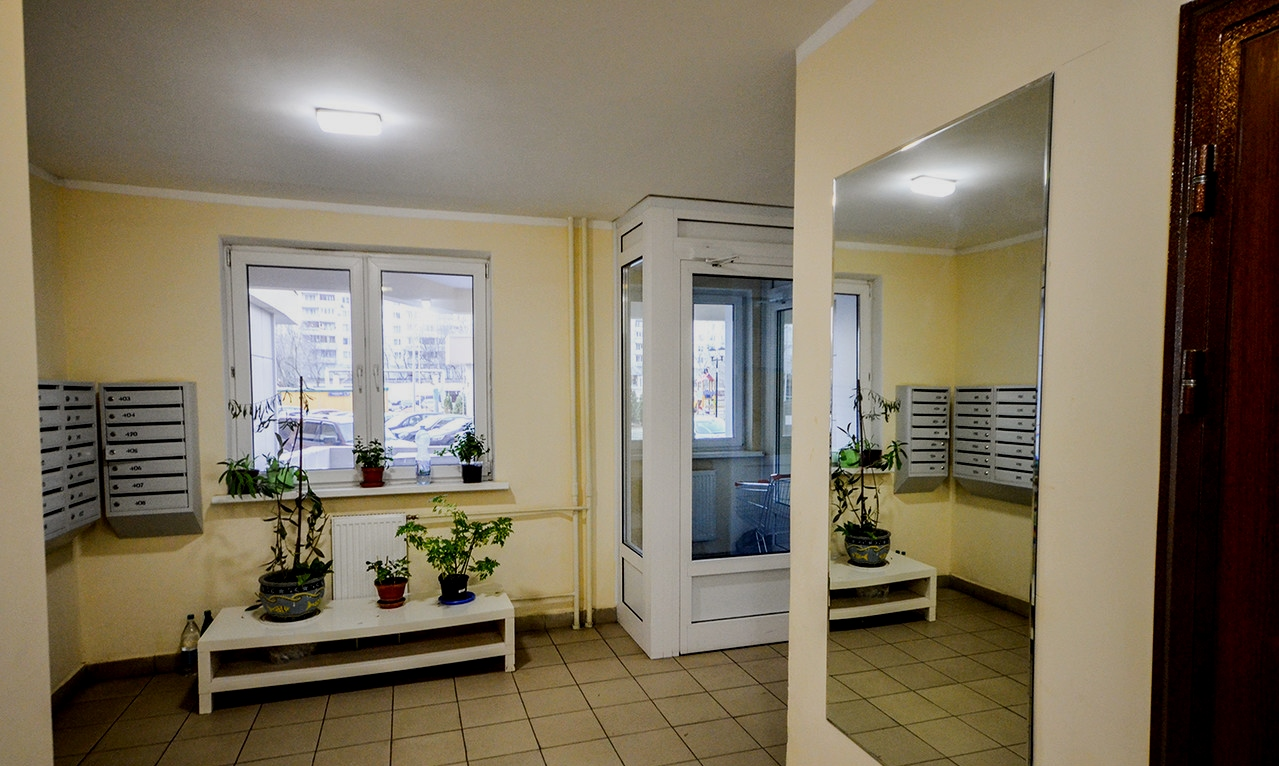 ПРОДАЮ квартиру, м. Славянский бульвар,  в кирпично-монолитном доме